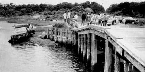 chappaquiddick-kennedy car in water